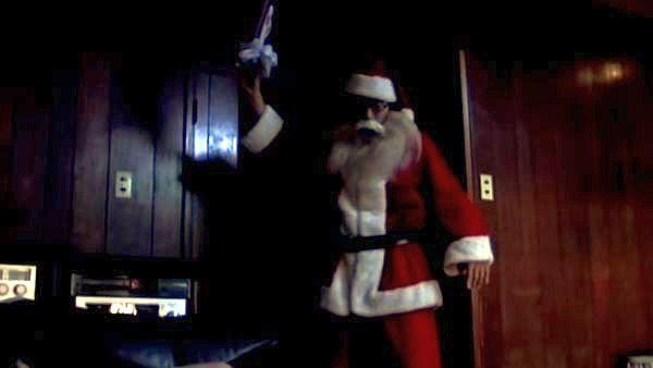 サンタになった夫が不倫現場を目撃