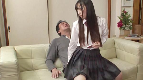 姪の宮沢ゆかりちゃんに素股されてフル勃起する叔父