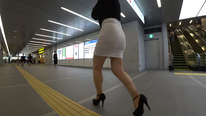 【フルHD 高画質】前も後ろもスケスケのグラマラスBODY美女!!無意識の誘惑が半端ない!!-002
